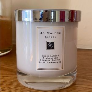 Jo Malone sweet almond and macaroon candle